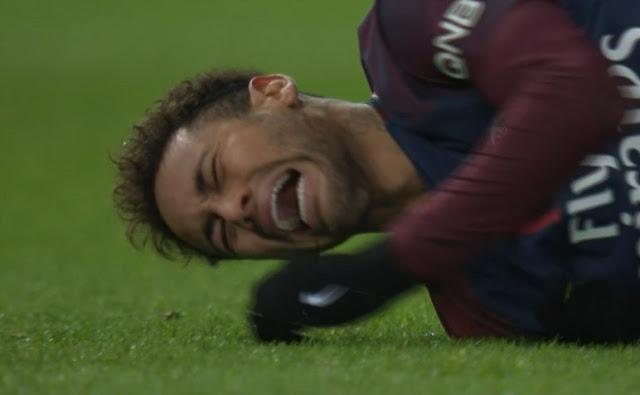 ALERTA ROJA: Neymar fue retirado en camilla