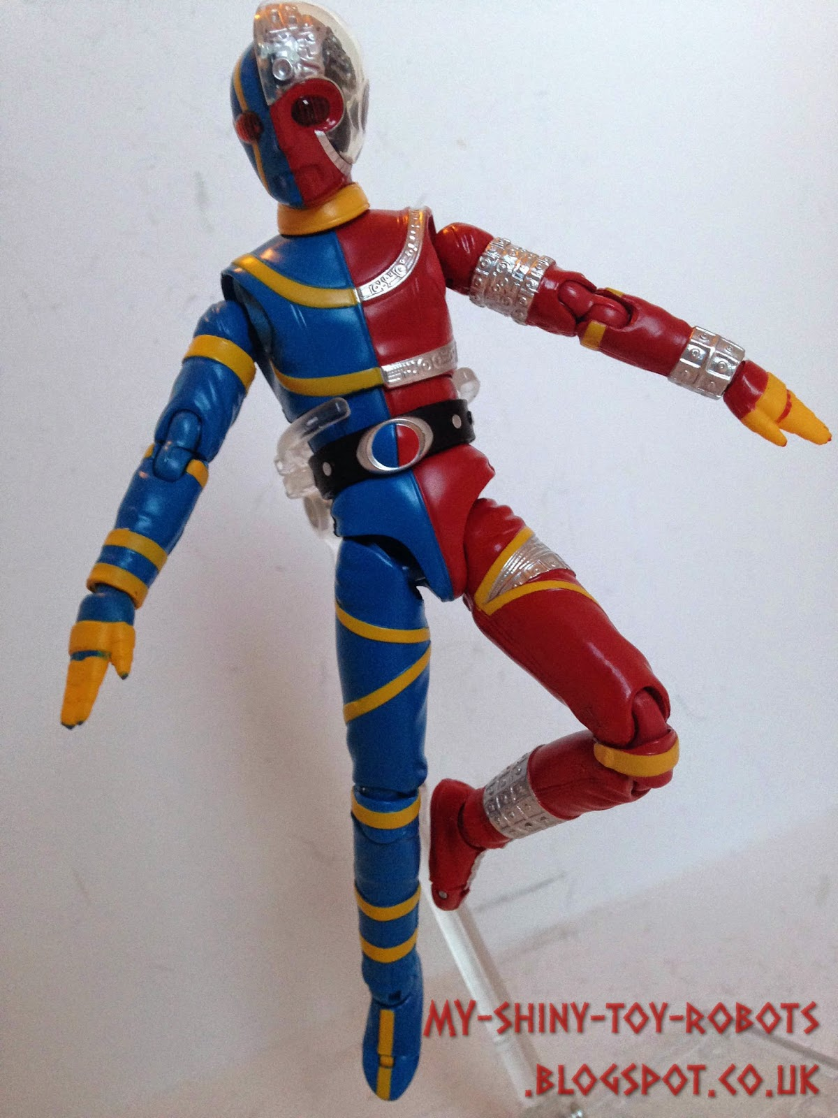 Kikaider strikes a pose