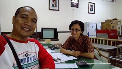 Foto Keramahan kasir es krim Toko Oen Malang