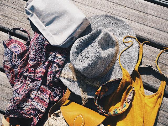 maituins-news-agosto-2018-favs-verano-bañador-oysho-volante-vestido-mostaza