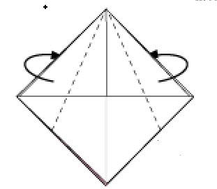 Bước 9: Gấp chéo 2 cạnh lớp giấy trên cùng về phía sau vào trong hai lớp giấy