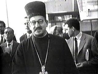 Observadores greco-cismáticos de Moscou, de fato agentes da KGB,  desembarcam em Roma como observadores do Concílio Vaticano II.