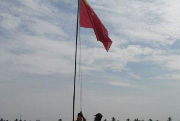 Terulang Lagi ! Bendera China Berkibar di Tepi Sungai Ini! Gak Kapok Kayak nya Nih