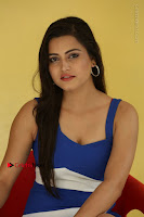 Cute Telugu Actress Shipra Gaur High Definition Po Gallery in Short Dress  0009.JPG