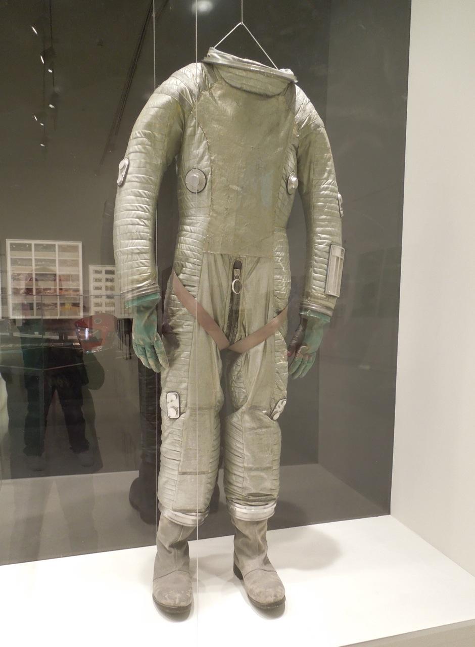 2001 space suit - photo #8