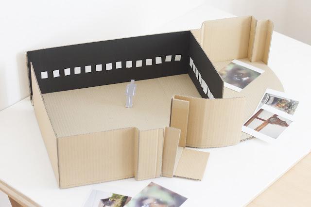 写真展の準備・ギャラリーの模型を作りました