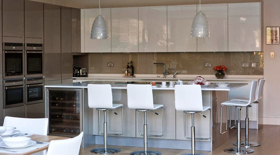 Marzua soluciones de vidrio para la pared frontal de la cocina - Frentes de vidrio para cocinas ...
