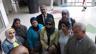 بالصور وفد حركة رائدات المستقبل وأحباب الكريم وجمال زهران في زيارة لمستشفى 57357