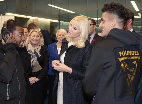 Crown princess Mette Marit wore Christian Louboutin pumps, Velentino coat and Dress new winter coat, diamond earrings