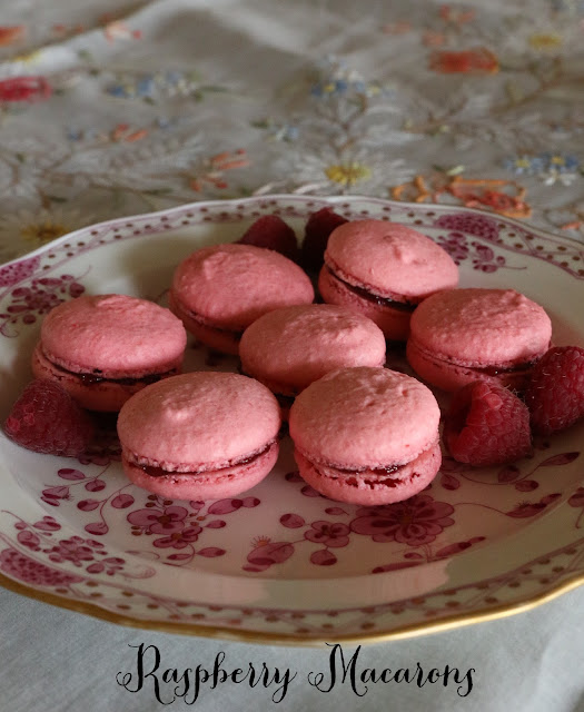 Raspberry Macarons like Laduree