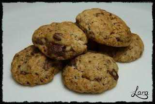 http://cucinaconlara.blogspot.it/2018/01/biscotti-integrali-con-pezzi-di.html