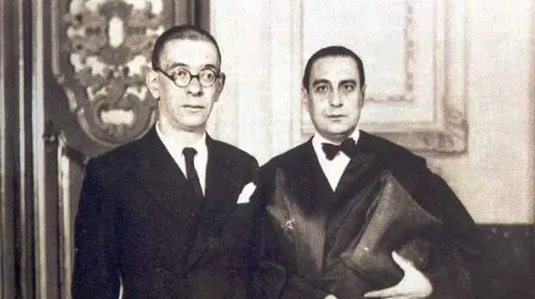Zugazagoitia con el escritor y profesor Luis Jiménez de Asúa.
