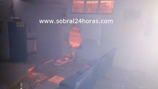 Terror no Ceará: Bandidos explodem o Banco do Brasil de São João do Jaguaribe-CE.