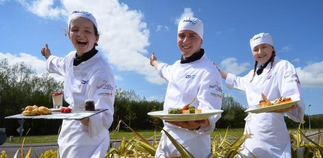 Gordon Ramsay offers apprenticeship to college 'snub' teen ...