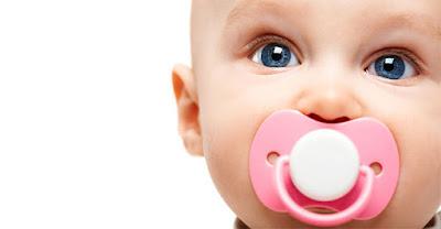 Bahaya Buruk Penggunaan Dot Pada Bayi