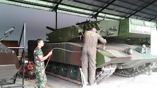 Pengecatan Tank Leopard 2RI