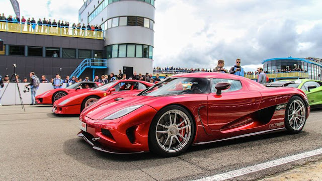世界を代表する最新スーパーカーがオランダのサーキットに集結!