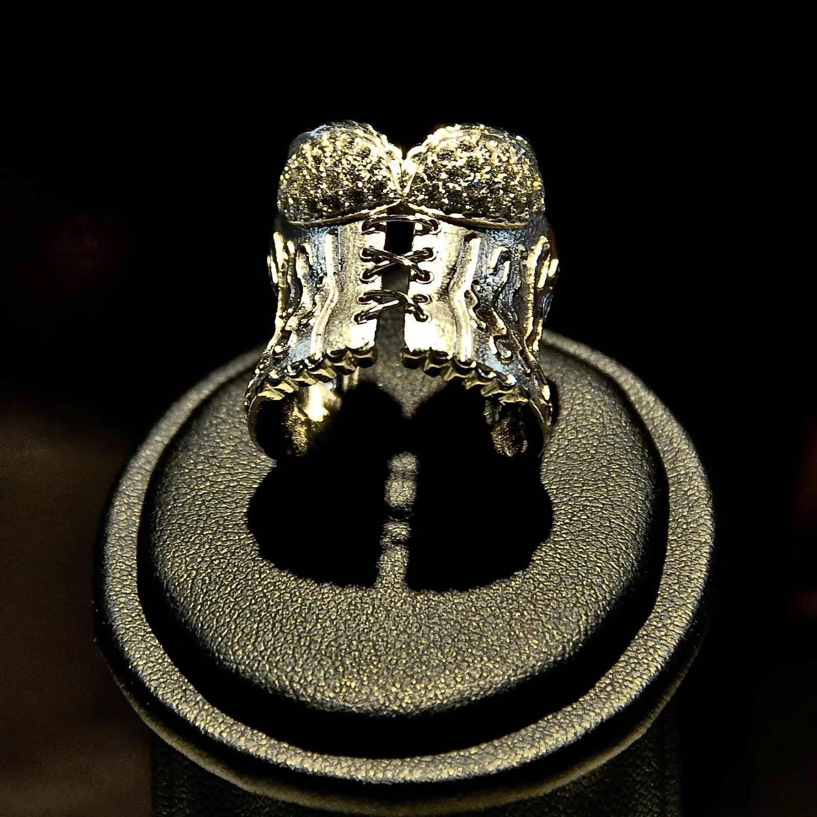 Corset ring by Antoaneta Ivanova of Antoanetta Fine Jewellery at Palladio's Basilica in Vicenza, Italy-2