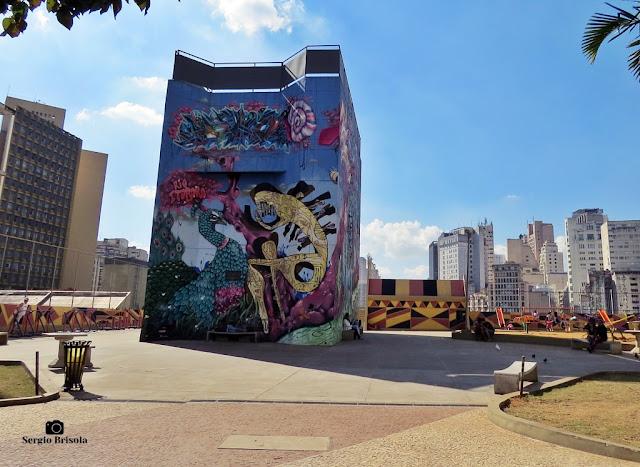 Vista ampla da Praça Paulo Kobayashi - Bela Vista - São Paulo