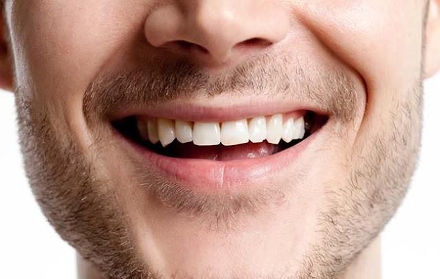 علاج مشاكل الأسنان بالأعشاب
