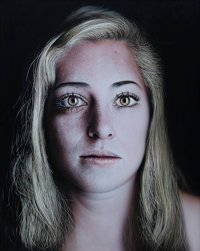 12-Kamalky-Laureano-Precise-and-Highly-Detailed-Paintings-www-designstack-co