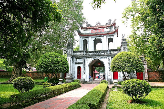 Top 10 charming points of Hanoi in the eyes of foreign travelers 1