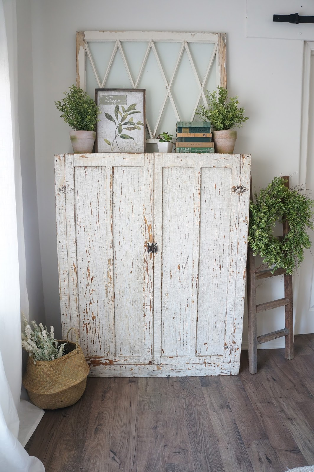 Perfecting the homefront chippy farmhouse cabinet for Farmhouse furniture ideas