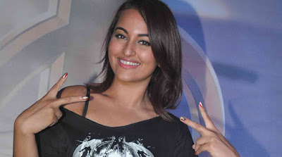 sonakshi sinha hot lip