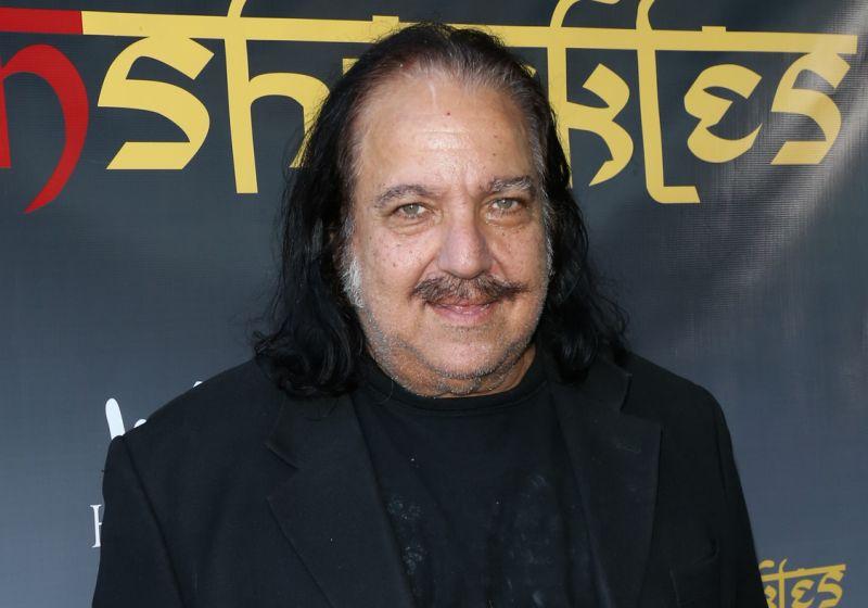 Ron Jeremy será juzgado por cargos de violación a cuatro mujeres