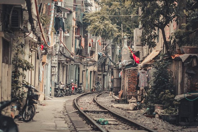 "Hanoi - Life On ""The Line"" - Interesting Or Thrilling"