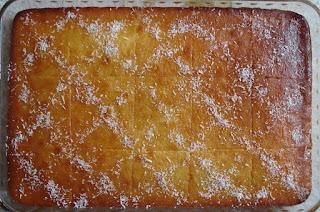 Εύκολη και γρήγορη συνταγή για  παραδοσιακό σιροπιαστό ρεβανί