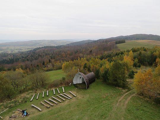 Widok z Grzywackiej Góry w kierunku południowo-wschodnim.