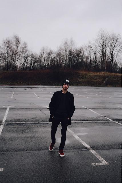 Men Black Outfit