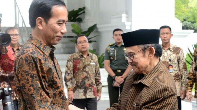 Jokowi Pastikan Pemerintah Beri Bantuan Terbaik Bagi Habibie
