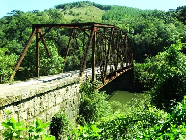 A Ponte de Ferro do Passo do Inferno, São Francisco de Paula