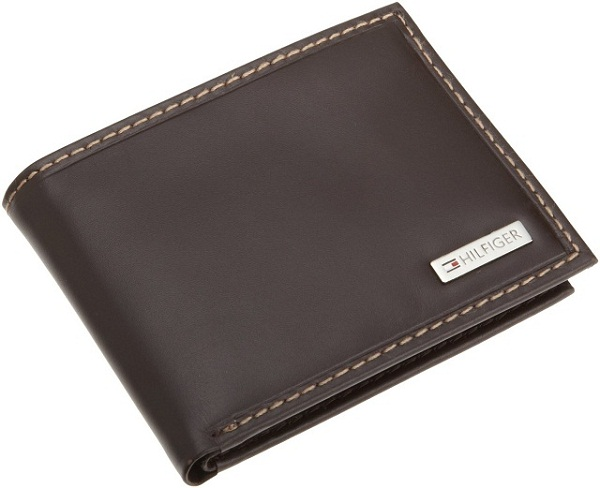 Ví tráo đổi bài với hình dáng như chiếc ví thông thường
