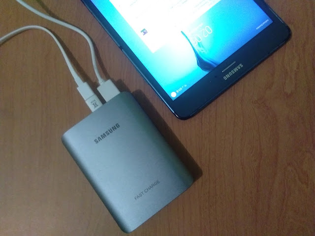 Pass Through Charging Samsung Battery Pack 10.200 mAh