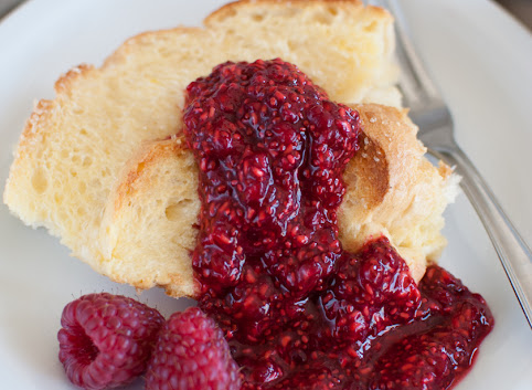 Śniadaniowo mi #25: Zapiekana chałka (jak tosty francuskie) + szybki malinowy dżem chia