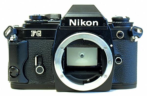 Nikon FG, Front