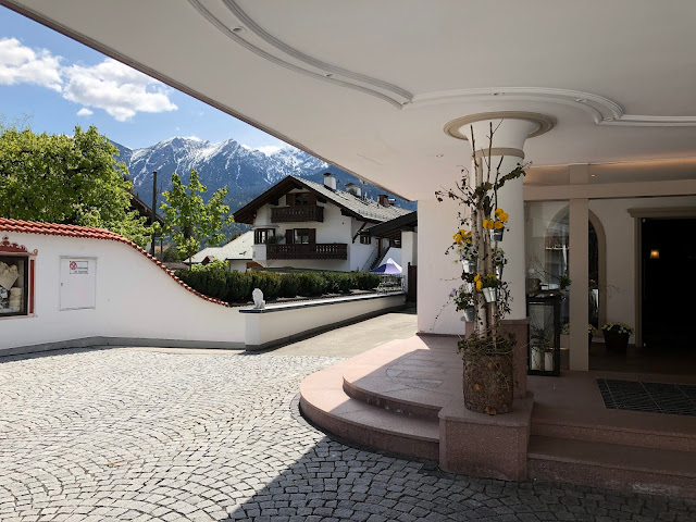 wedding venue Parkhotel Wallgau, wedding weekend, destination wedding, mountain wedding, wedding in Bavaria, wedding planner, 4 weddings & events, Uschi Glas, Garmisch-Partenkirchen, Zugspitze, Garmisch wedding, Germany, wedding coordinator, mountain view