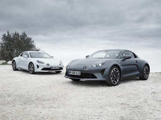Alpine A110'un iki yeni versiyonu Cenevre Uluslararası Otomobil Fuarı'nda