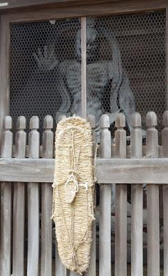 仁王像(阿形)と大草鞋
