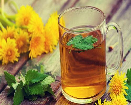 Chá Dente de Leão Ajuda a Eliminar Celulite