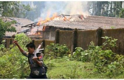 Desa Rohingya Dibakar, Al Qur'an Dihinakan, Dan Kalian Menuduh Fakta ini Dipakai Untuk Jatuhin Junjungan Kalian?