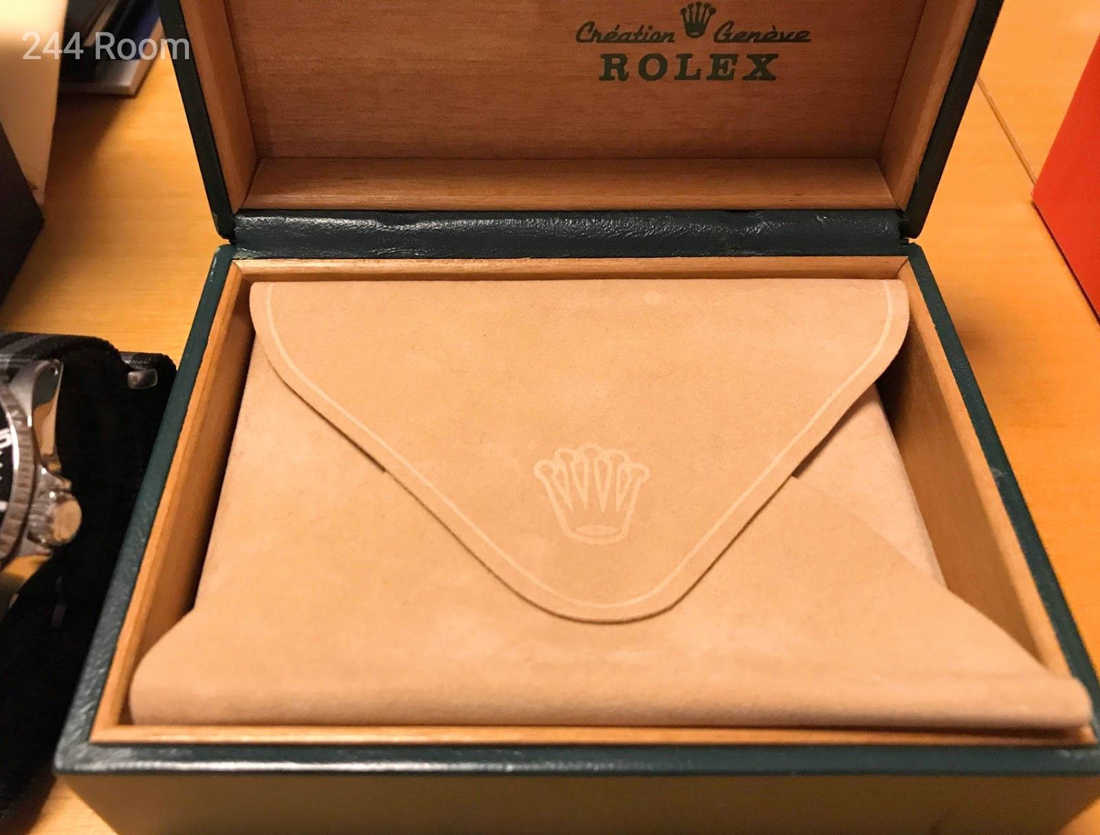 Rolex-submarinerdate-genuine-box3