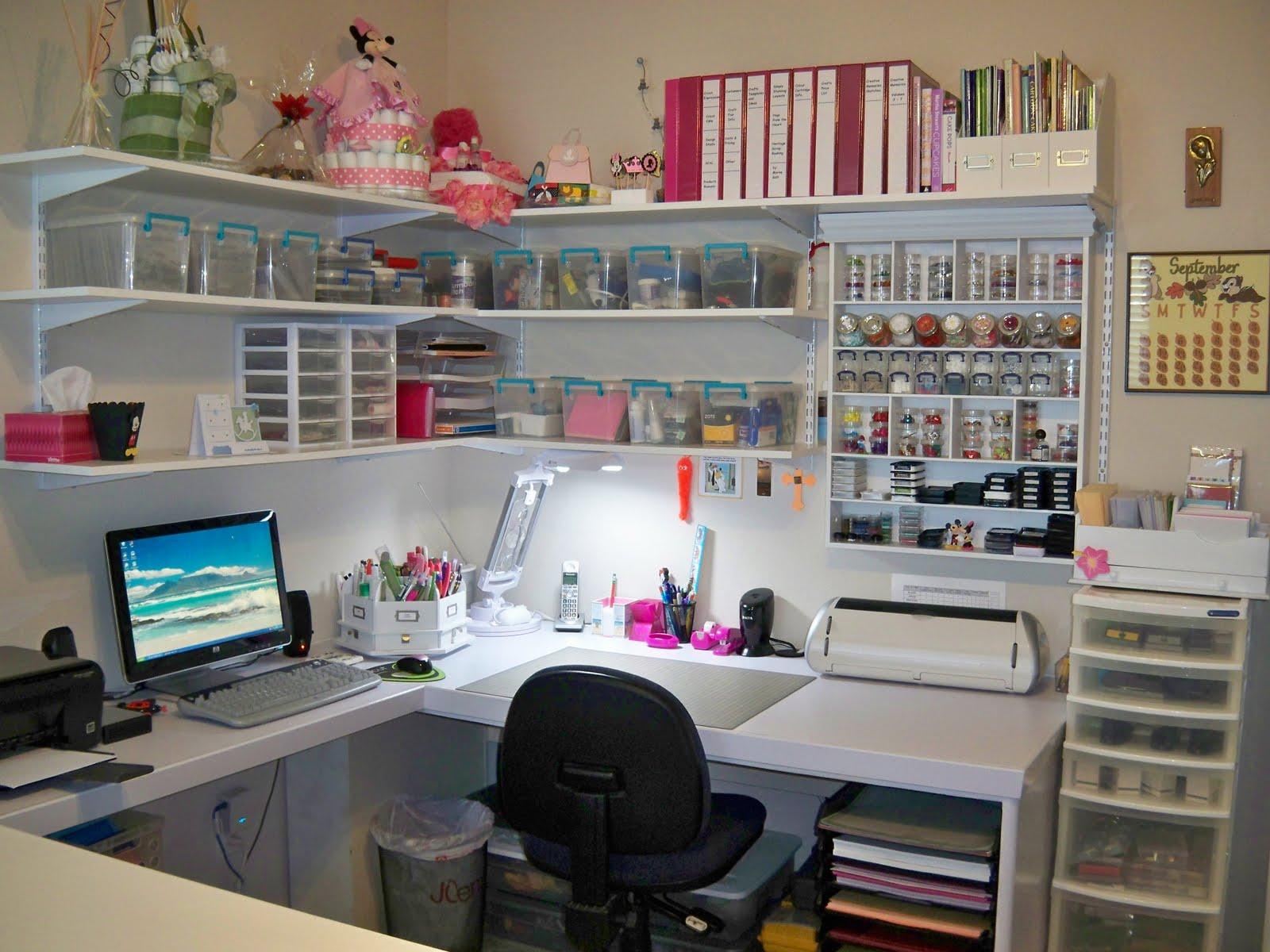 Craft Room Desk: Lena's Creations: Craft Room Revamped