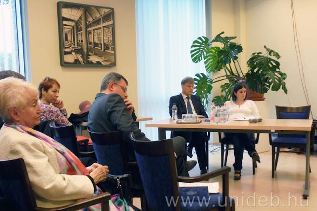 Holokauszt-megemlékezést tartott a Debreceni Egyetem Germanisztikai Intézete a Német egység napjának alkalmából Debrecenben.