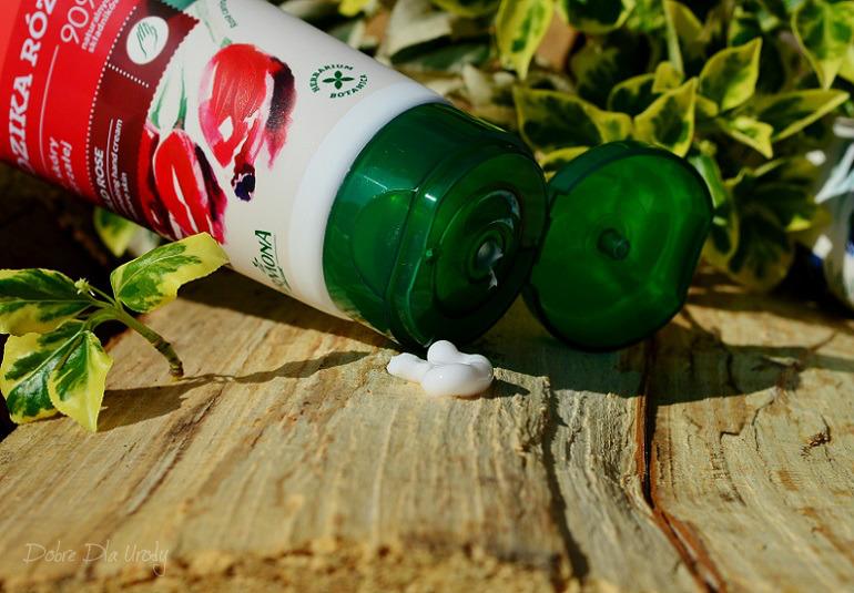 Farmona Krem odmładzający do rąk i paznokci Herbal Care my nature Dzika róża