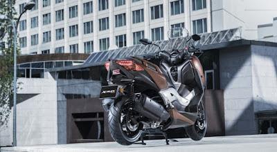 2017 Yamaha X-Max 300 HD Pics