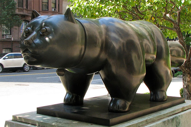 Gato, Cat, by Fernando Botero, 900 Park Avenue, New York